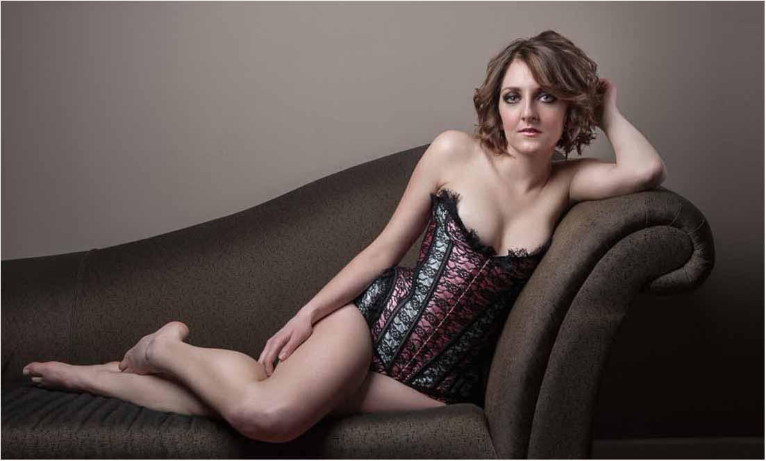 Kvindelig boudoir fotograf i Randers